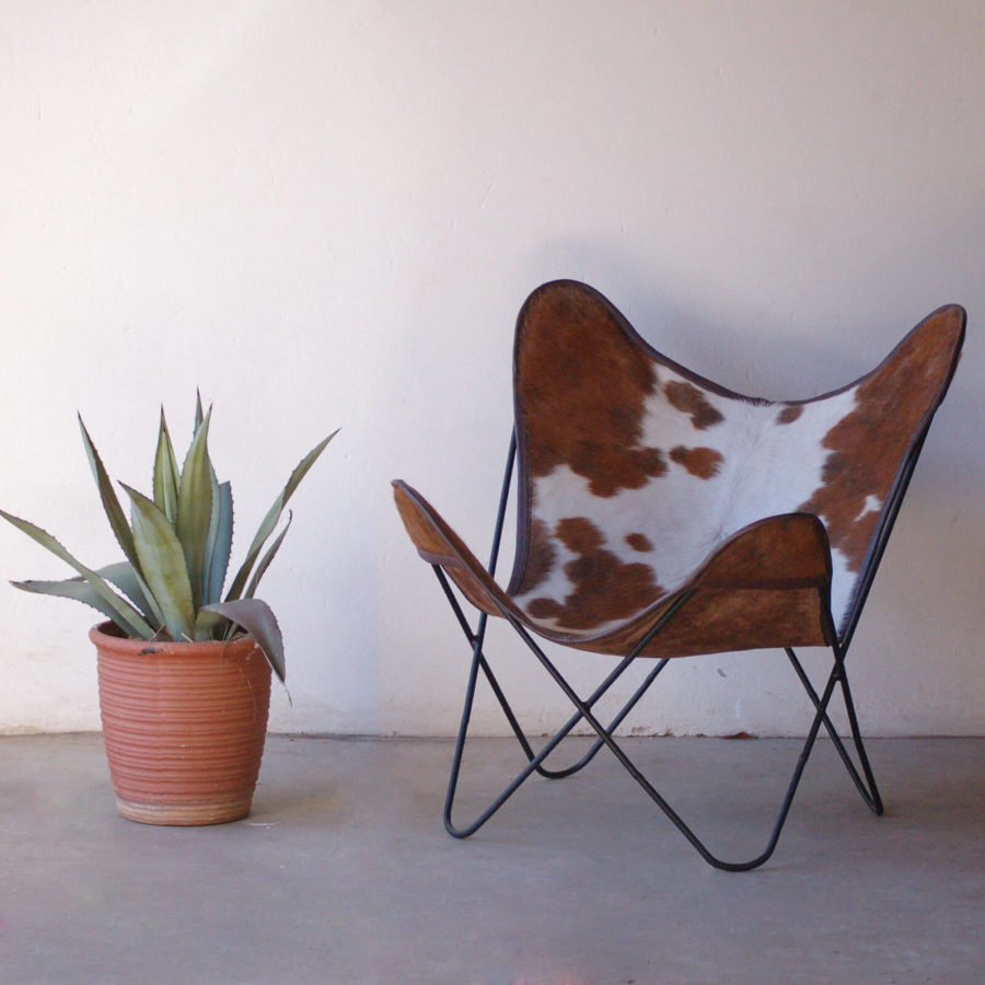 Medium Dark Brown Spotted Corners White Nguni Hide Butterfly Chairs